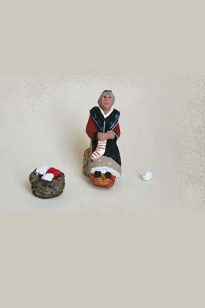 vieille arlésienne au tricot santons arlatenco
